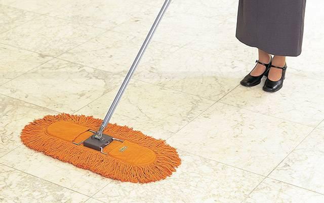 業務用モップ|定番の業務用モップ、床面をそっと拭くだけでホコリを除去できるモップです。