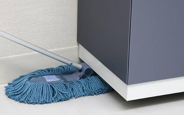 ブルーベリーエコ・スリム|オフィスでは机や椅子、店舗では陳列商品や棚など障害物の多い場所のお掃除に最適なモップです。 軽くて使いやすいので女性の方には最適です。エコマーク付きの商品です。